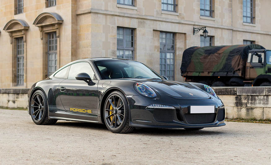 2016-Porsche-911-R-104.jpg