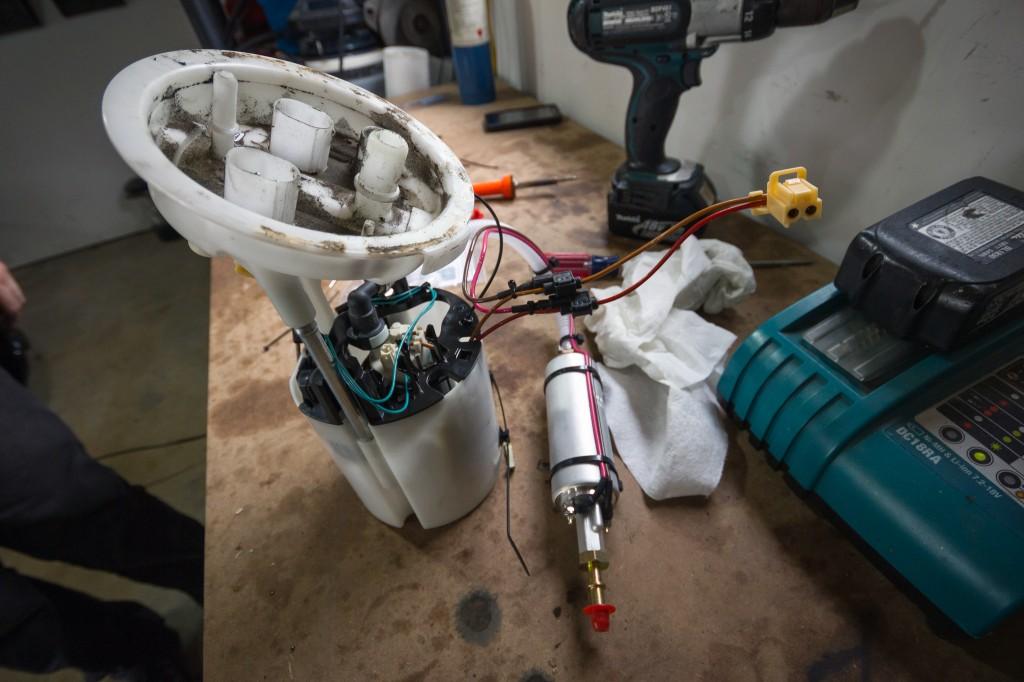 bmw-135i-walbro-inline-fuel-pump-1024x682.jpg