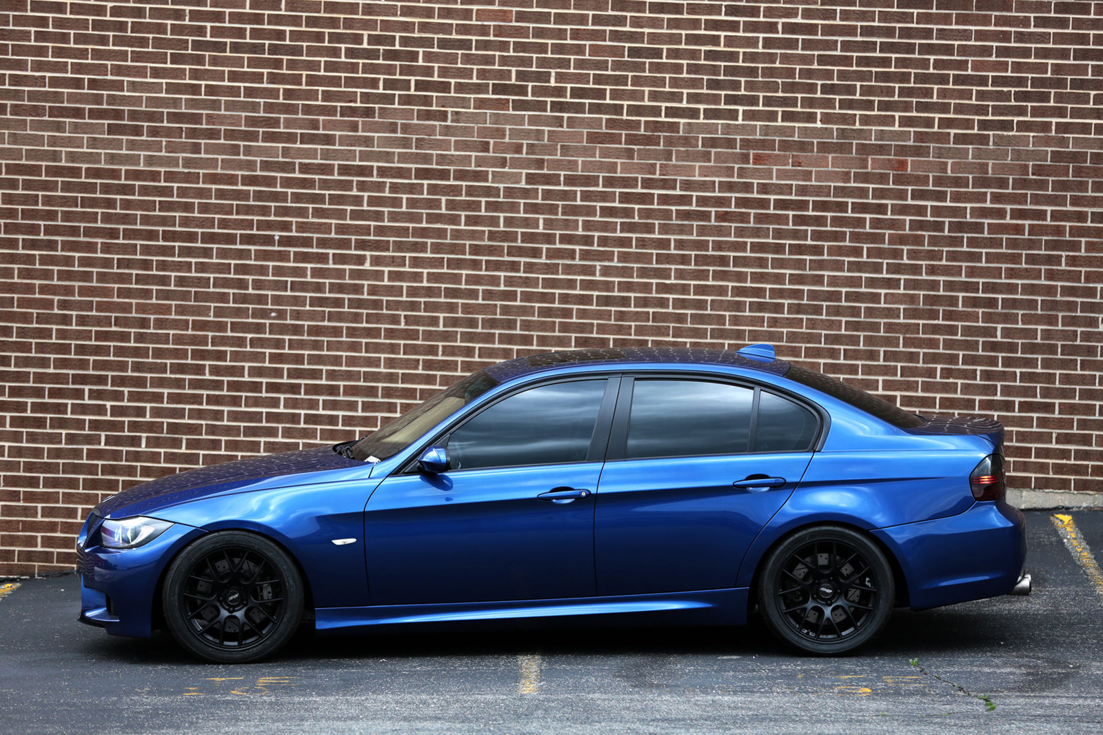 BMW-335_06.jpg