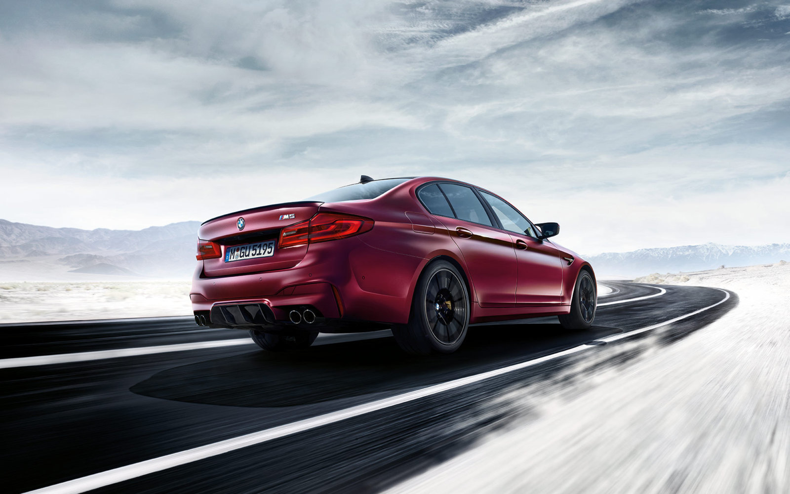 BMW-M5-2018-Wallpaper-8.jpg