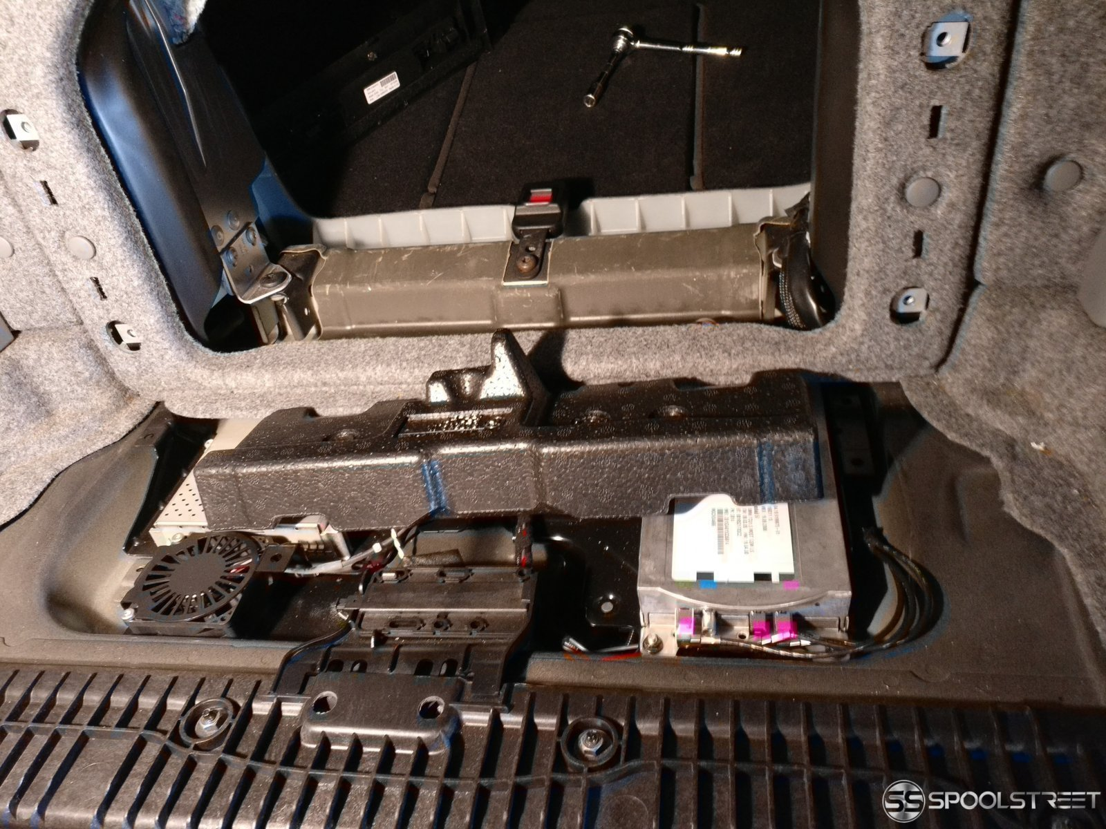 Combox Retrofit Guide   BMW - SpoolStreet