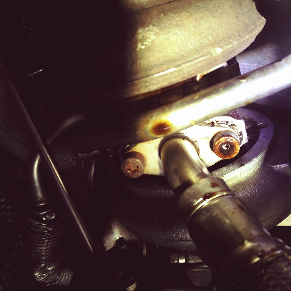 Oil leak, turbo seal on the exhaust side? | BMW Forums