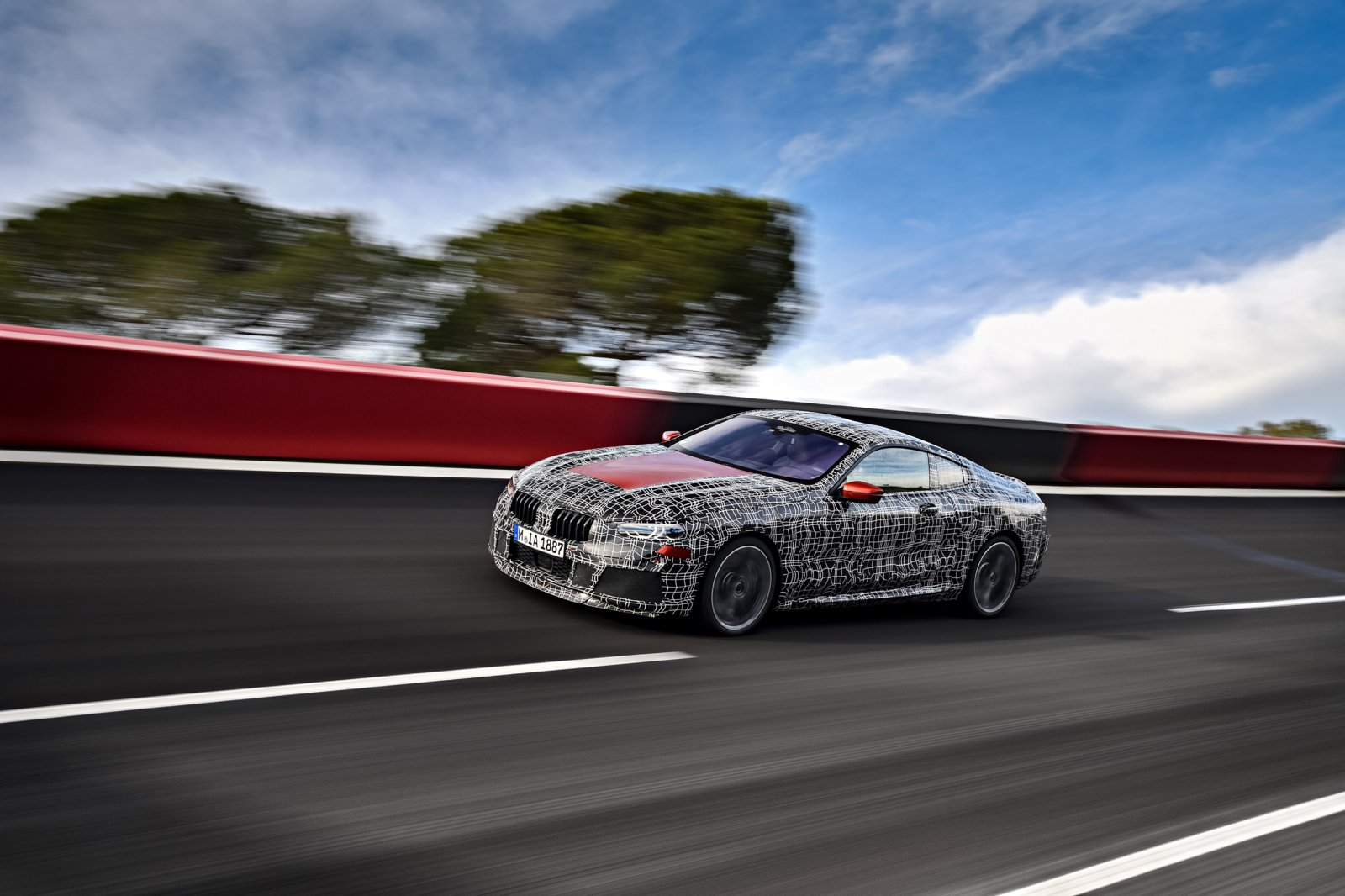 P90290766_highRes_bmw-8-series-coupe-p.jpg